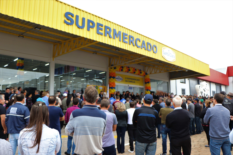 Santa Clara inaugura 12º supermercado em David Canabarro