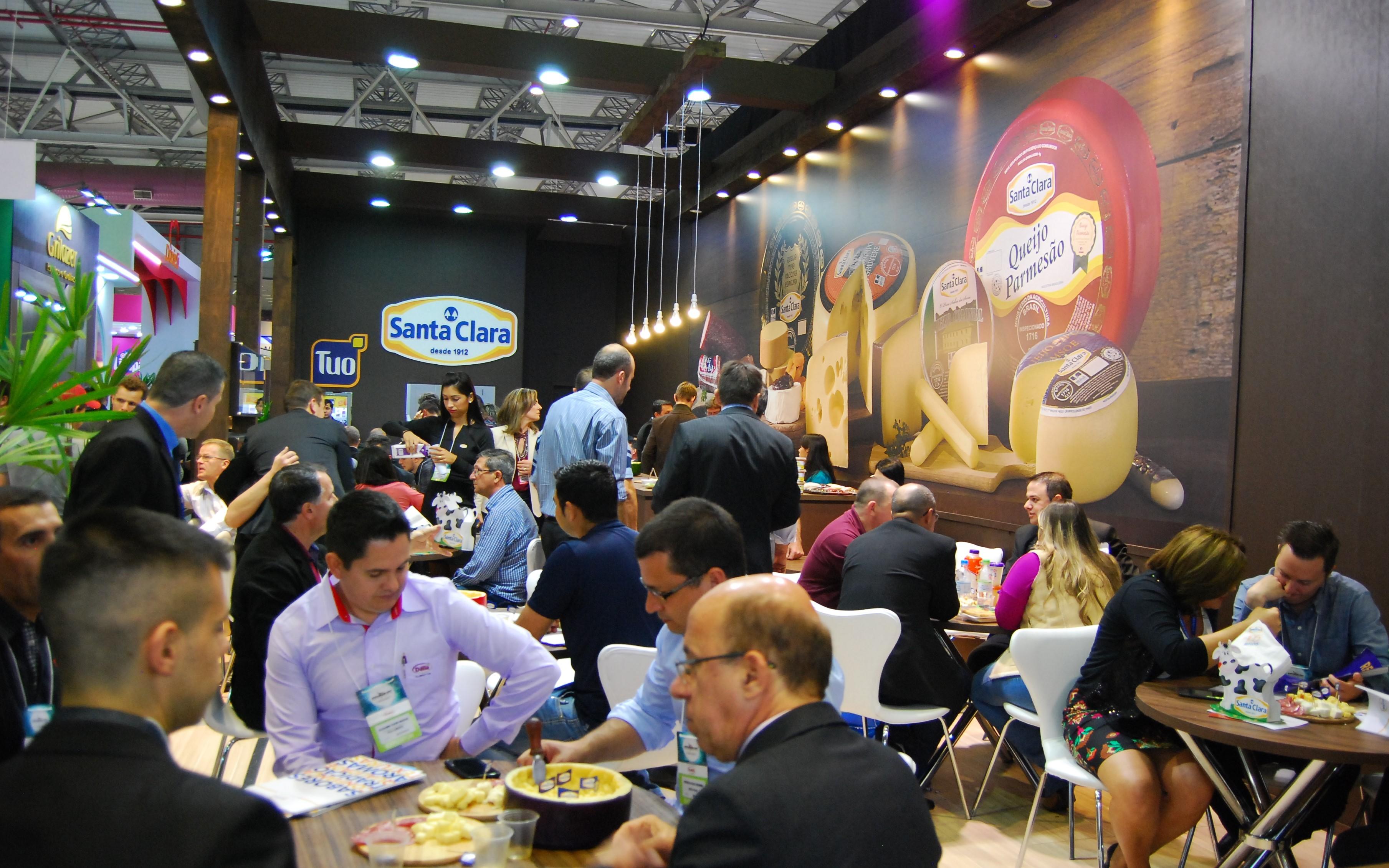 Santa Clara apresenta novos produtos e embalagens na 38ª Expoagas