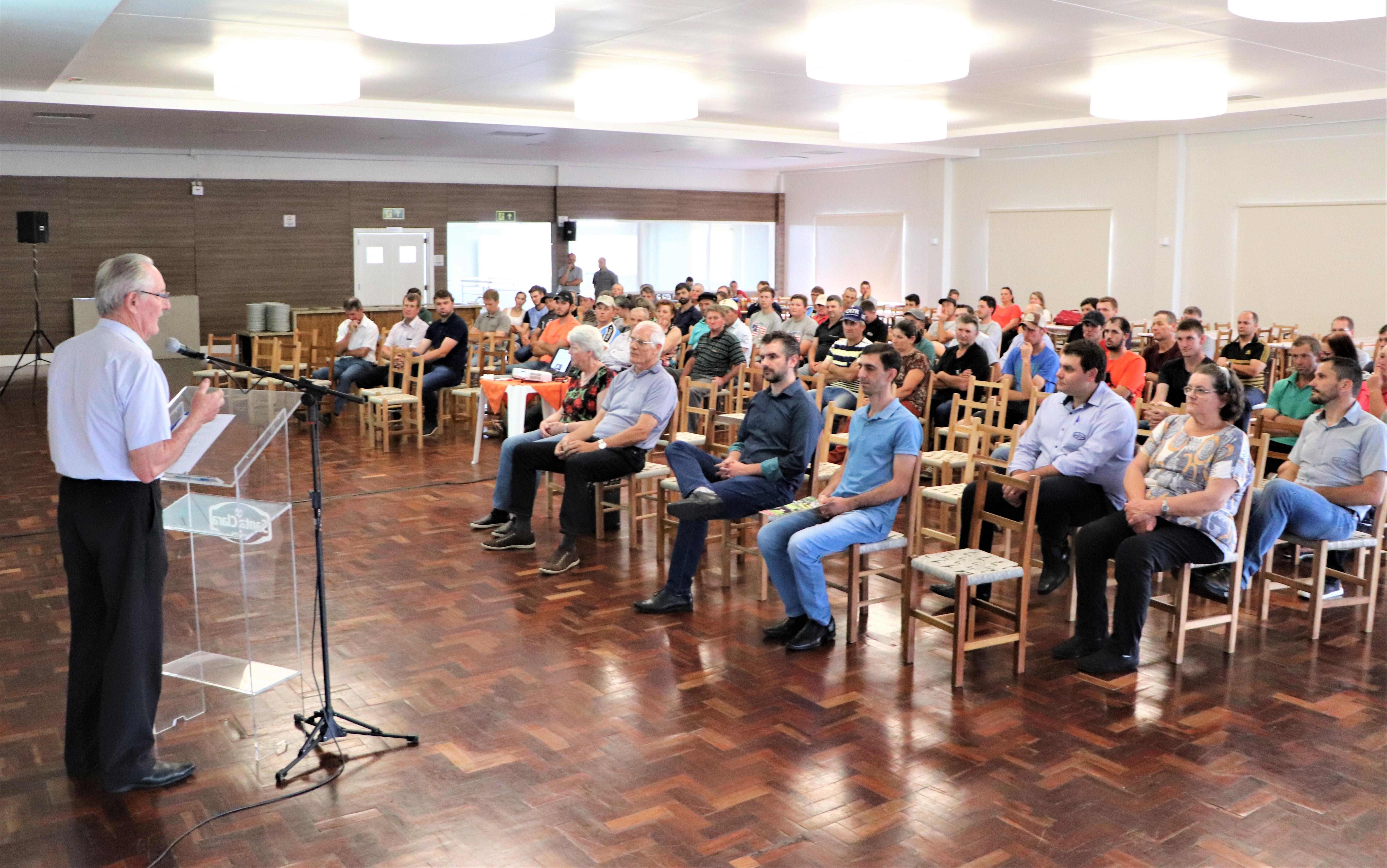 Santa Clara promove o 19º Encontro de Criadores de Gado de Leite com Registro