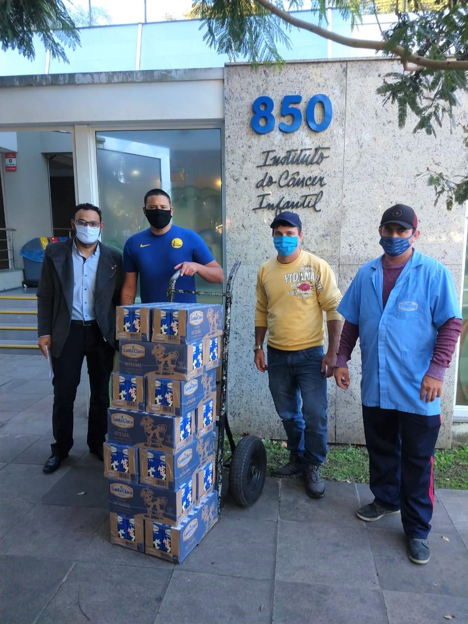 Campanha entre associados à Santa Clara doa mais de 48 mil litros de leite