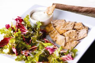 Salada Verde ao Temper Cheese