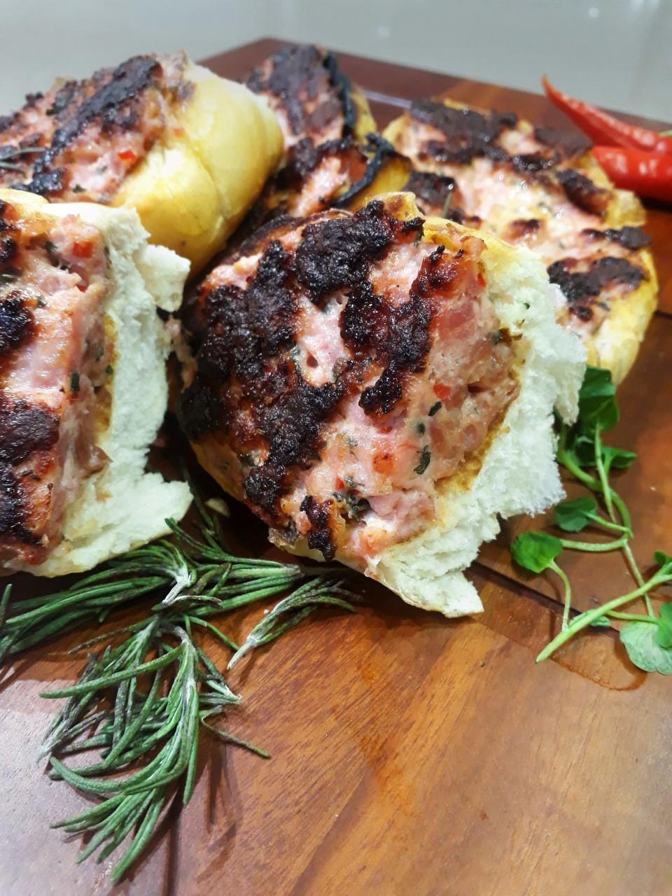 Pãoliça - Pão com Linguiça Santa Clara