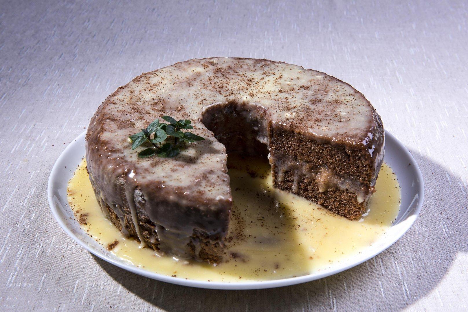 Bolo de Chocolate com Chocolate Branco e Licor de Laranja